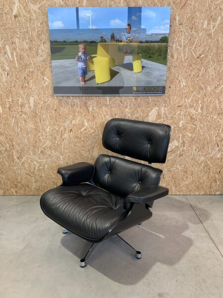 EAMES VITRA LOUNGE CHAIR