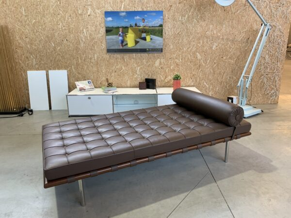 KNOLL MIES VAN DER ROHE DAYBED