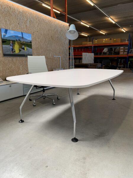 AD HOC MEETING TABLE – VITRA